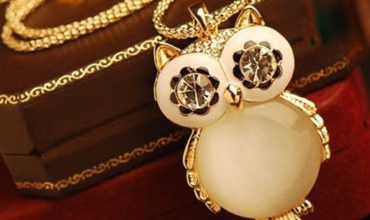 Retro Big Eye Owl Pendant Necklace